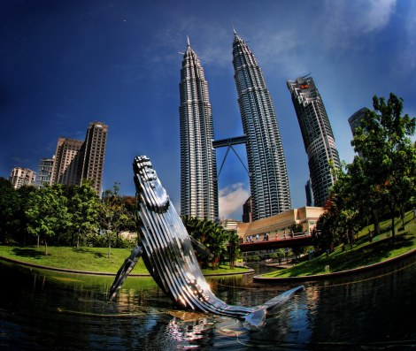 adventuresofagoodman-com-malaysia-petronastowerswhale